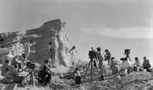 Art Center class on location for an assignment at Vasquez Rocks in Californiacirca 1940 © 1978 James Doolittle** K.K. - Image 13476_0001