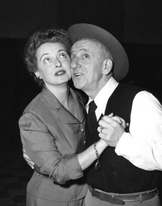 """Jimmy Durante Show, The""Bette Davis, Jimmy Durante1954 / NBCPhoto by Gerald Smith2 - Image 13499_0002"