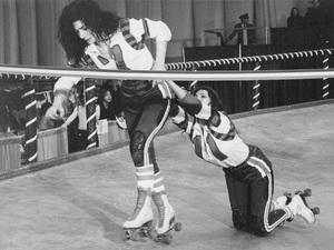 """Kansas City Bomber, The""Helena Kallianiotes, Raquel Welch1972 MGM - Image 13690_0003"