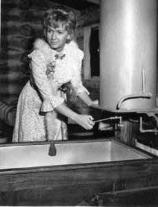 """""""The Unsinkable Molly Brown""""Debbie Reynolds1964 - Image 13800_0002"""