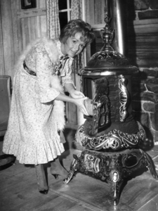 """""""The Unsinkable Molly Brown""""Debbie Reynolds1964 - Image 13800_0005"""