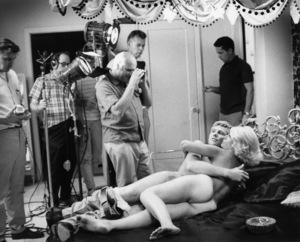 """Midnight Cowboy""Sylvia Miles, Jon Voight, director John Schlesinger1969 United Artists** I.V. - Image 13936_0002"