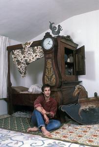 Bronson Pinchot at home1986 © 1986 Gene Trindl - Image 14099_0001