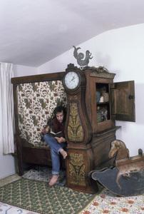 Bronson Pinchot at home1986 © 1986 Gene Trindl - Image 14099_0005