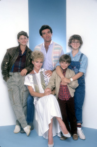 """""""Growing Pains""""Kirk Cameron, Joanna Kerns, Alan Thicke, Jeremy Miller, Tracey Gold1985 © 1985 Mario Casilli - Image 14114_0012"""
