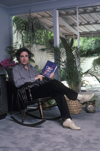 Richard Kline at home reading Clifford Odets1982 © 1982 Gene Trindl - Image 14129_0003