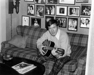 Bill Daily at home C. 1974 © 1978 Kim Maydole Lynch - Image 14196_0001