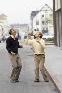 Garry Marshall and Ron Howard1979© 1979 Gene Trindl - Image 14276_0010