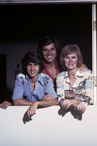 Richard (Dick) Gautier with wife Barbara Stuart and son Randy1975 © 1978 Gene Trindl - Image 14306_0001