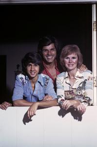 Richard (Dick) Gautier with wife Barbara Stuart and son Randy1975 © 1978 Gene Trindl - Image 14306_0001