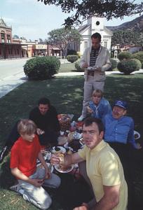 """Mayberry RFD""Buddy Foster,George Lindsey,Ken Berry,Jack Dodson,Arlene Golonka,Paul Hartman1968 © 1978 Gene Trindl - Image 14342_0010"