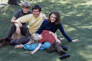 Robert Hogan at home with his wife, Sharon Lynn (Shannon) Harper, and two sons1968© 1978 Gene Trindl - Image 14359_0001