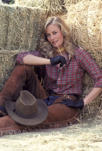 """The Yellow Rose""Cybill Shepherd1983 © 1983 Gene Trindl - Image 14440_0003"