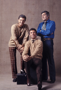 """""""The Name of the Game""""Robert Stack, Anthony (Tony) Franciosa, Gene Barry1970 © 1978 Gene Trindl  - Image 14493_0006"""