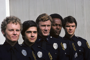 """S.W.A.T.""Mark Shera, Rod Perry, Robert Urich, James Coleman, Steve Forrest 1975** H.L. - Image 14618_0004"