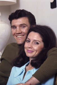 David Canary at home with his wife, Julie M. Anderson1969© 1978 Gene Trindl - Image 14631_0001