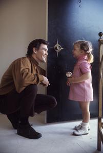 David Canary at home with his daughter, Lisa (aka Diamond)1969© 1978 Gene Trindl - Image 14631_0002