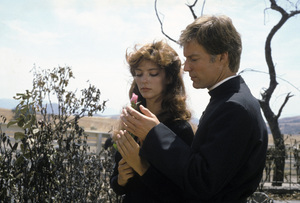 """The Thorn Birds""Rachel Ward, Richard Chamberlain1983 © 1983 Gene Trindl - Image 14635_0002"