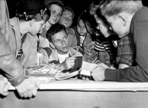 """House I Live In, The""Frank Sinatra 1945/RKO - Image 14725_0003"
