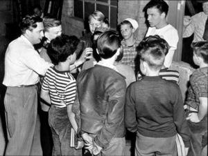 """House I Live In, The""Dir. Mervyn Le Roy (Left)Frank Sinatra 1945/RKO - Image 14725_0005"