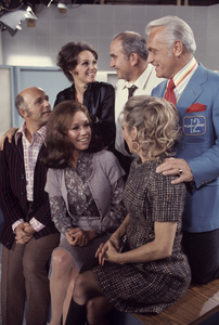 """The Mary Tyler Moore Show""Gavin MacLeod, Mary Tyler Moore, Clors Leachman, Valerie Harper, Edward Asner, Ted Knight1971© 1978 Gene Trindl - Image 1491_0025"