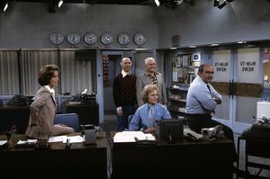"""Mary Tyler Moore Show"" Mary Tyler Moore, Gavin MacLeod, Ted Knight, Betty White, Ed Asner 1970 © 1978 Gene Trindl - Image 1491_0054"
