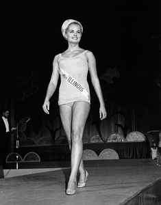 """Pageants: Miss America""Miss America of 1969 Judith Anne Ford (Miss Illinois) - Image 14922_0005"