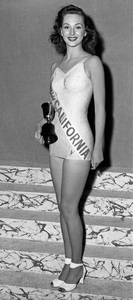 """""""Pageants: Miss America""""Marilyn Buferd of Los Angeles, competing as Miss California, was crowned Miss America at the 25th renewal of the Atlantic City beauty pageant1946 - Image 14922_0017"""
