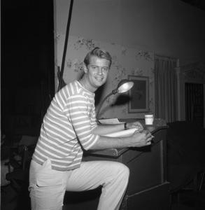 """Surfside Six""Troy Donahue behind the scenesC. 1962 © 1978 Sid Avery - Image 15012_0001"