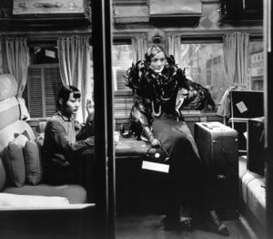 """Shanghai Express"" Marlene Dietrich, Anna May Wong1932 Paramount / **I.V. - Image 1516_0003"