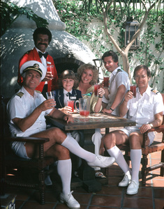 """Love Boat, The""Gavin MacLeod, Ted Lange, Jill Whelan, Lauren Tewes, Fred Grandy, Bernie Kopell © 1979 ABC / MPTV - Image 1524_0093"