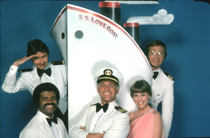 """Love Boat, The""Fred Grandy, Ted Lange, Gavin MacLeod, Lauren Tewes, Bernie Kopell © 1978 ABC / MPTV - Image 1524_0094"