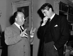 """The Paradine Case""Dir. Alfred Hitchcock, Gregory Peck,on the set /1947 United Artists**I.V. - Image 1559_0004"