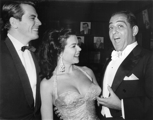 Robert MerrillSinging to actress Laya Paki at a party iin Sardis ResturantOctober 27, 58 - Image 16028_0002