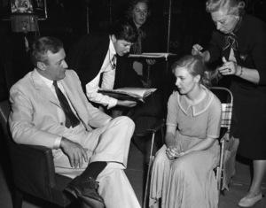 """The Three Faces of Eve""Lee J. Cobb, Joanne Woodward1957** I.V. - Image 16068_0011"
