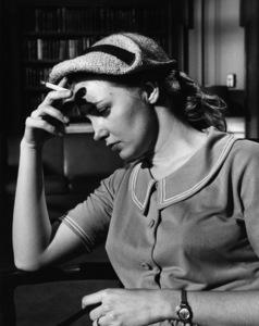 """The Three Faces of Eve""Joanne Woodward1957** I.V. - Image 16068_0014"