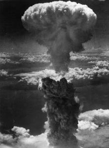 Smoke billows 20,000 feet above Nagasaki, Japan, after second atomic bomb attack1945 - Image 16069_0007