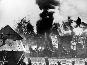 World War II / Nazis advance on burning Russian town / circa 1940 - Image 16069_0018