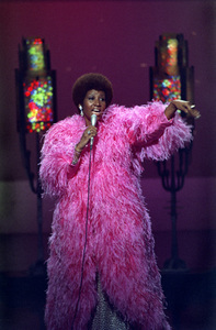 Aretha Franklin circa 1972 ** H.L. - Image 16105_0007
