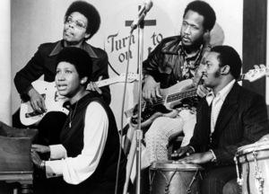 """Aretha Franklin and her back-up group on """"Room 222""""1972** I.V.M. - Image 16105_0039"""