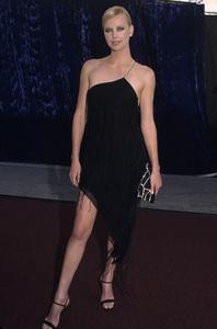 Charlize Theron2001© 2001 Gary Lewis - Image 16225_0011