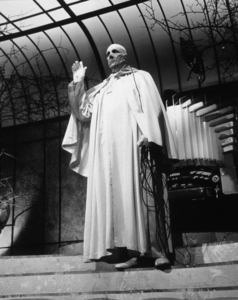 """Abominable Dr. Phibes, The""Vincent Price1971 / AIP © 1978 John Jay - Image 16291_0006"