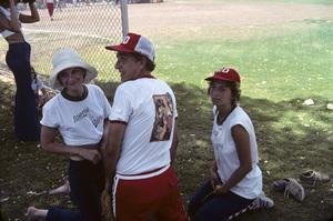 """Laverne & Shirley""Cindy Williams, Penny Marshall, Garry Marshall1976© 1978 Gene Trindl - Image 1641_0124"