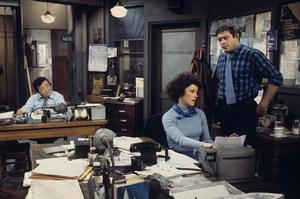 """""""Barney Miller""""Jack Soo, Linda Lavin, Max Gail1975** H.L. - Image 16530_0046"""