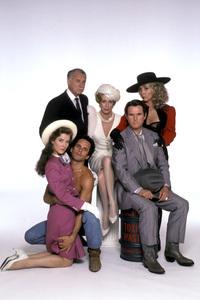 """Fresno""Valerie Mahaffey, Gregory Harrison, Dabney Coleman, Carol Burnett, Charles Grodin, Teri Garr © 1986 Mario Casilli - Image 16548_0002"