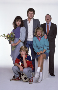 """I Married Dora""Elizabeth Pena, Daniel Hugh Kelly, Henry Jones, Juliette Lewis, Jason Horst1987 © 1987 Mario Casilli - Image 16549_0002"