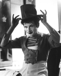 Marcel Marceau in Paris, 1952Photo by Ernest E. Reshovsky © 1978 Marc Reshovsky - Image 16558_0001