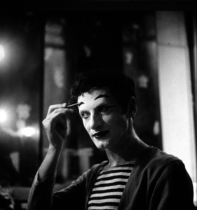 Marcel Marceau in Paris, 1952. Photo: Ernest Reshovsky © 1978 Marc Reshovsky - Image 16558_0003