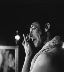 Marcel Marceau in Paris, 1952. Photo: Ernest Reshovsky © 1978 Marc Reshovsky - Image 16558_0008