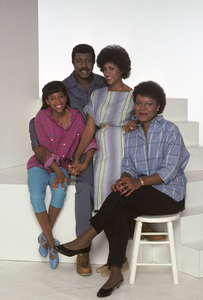 """227""Regina King, Hal Williams, Marla Gibbs, Alaina Reed-Hall1985© 1985 Mario Casilli - Image 16741_0005"